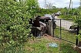 Virajı alamayan sürücü fındık bahçesine girdi