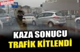 KAZA SONUCU TRAFİK KİTLENDİ