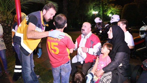 Suriyeli baba çocukları kaybolunca sinir krizi geçirdi