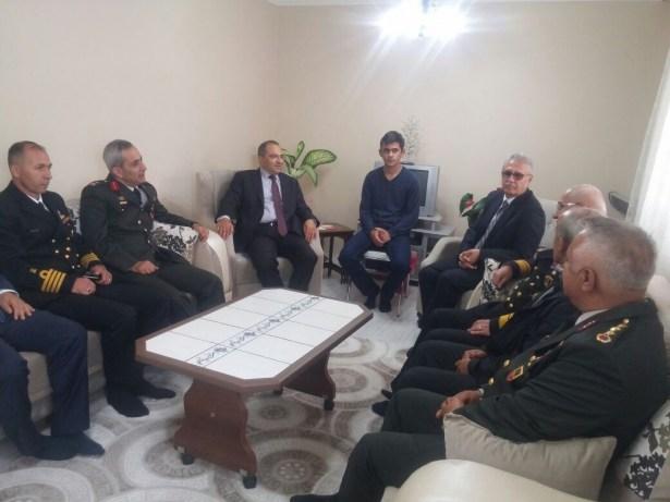Vali Ali Kaban şehit ailesini ziyaret etti