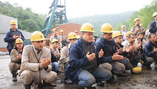 Zonguldaklı madenciler, Soma'da şehit düşen 301 madenciyi andı