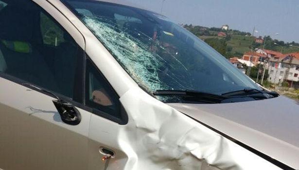 Yolun karşısına geçerken otomobil çarpan vatandaş hayatını kaybetti