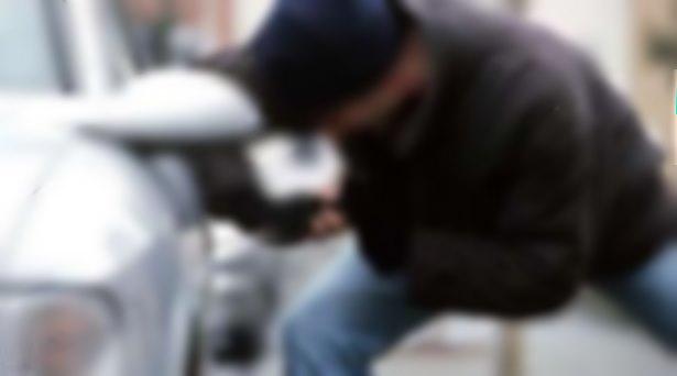 Hırsızlar bir günde üç ilden 3 otomobili çaldı