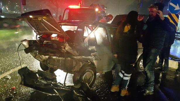 Terminal kavşağında kaza: 4 yaralı