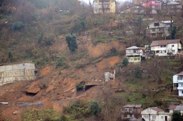 İstinat duvarı çöktü, evler tedbir amaçlı boşaltıldı