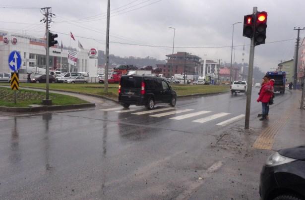 Ereğli´de otomobilin çarptığı yaşlı adam ağır yaralandı
