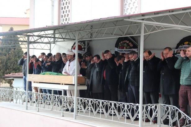 Alaplı Belediye Başkanı Tekin'in kayınpederi dualarla uğurlandı
