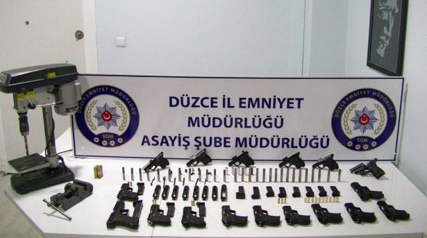Silah imalatı yapan 2 kişi tutuklandı