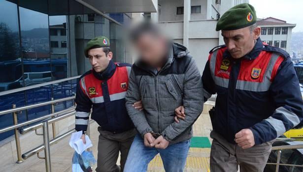 Çantasından dinamit lokumu çıkan yolcu serbest bırakıldı