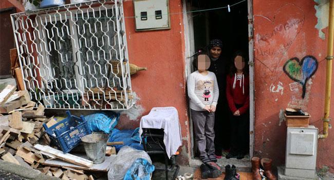3 çocuğu ile iki odalı evde yaşam mücadelesi