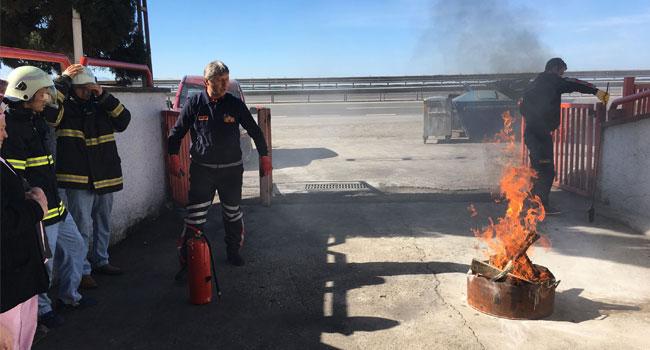 İtfaiye'den Huzurevi personeline yangın eğitimi