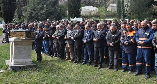 Belediye işçisi dualarla uğurlandı