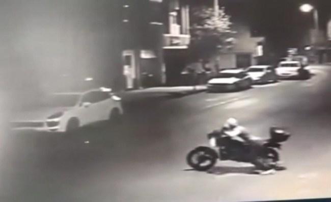 Sahur vakti park halindeki motosikleti çaldı
