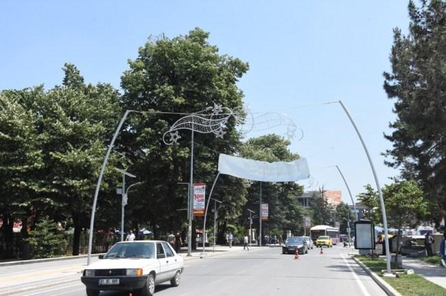 İstanbul Caddesinde Tüm Hazırlıklar Tamamlanıyor