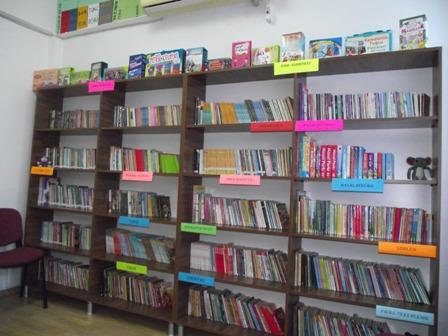 Öğrencilerden Jest; Köy Okuluna Kütüphane Kurdular