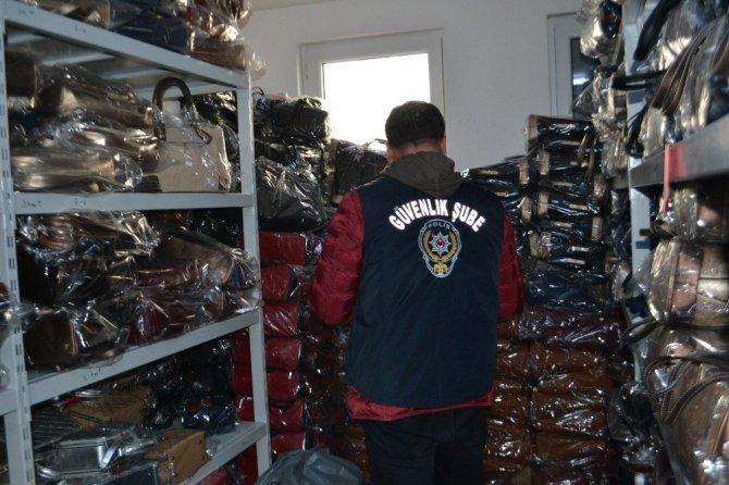 Tekstil ve Giyim Mağazalarında Taklit Ürünler Yakalandı