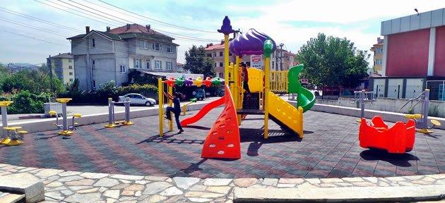 Bartın'da çocuk parklarında yenileme çalışmaları