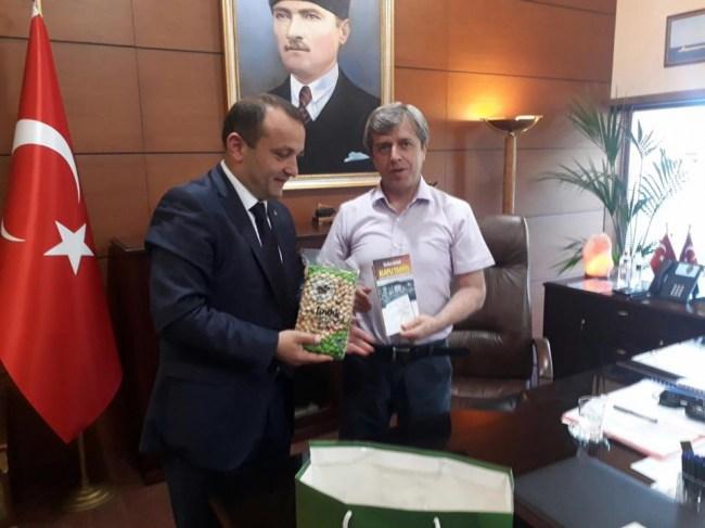 Vali Çınar'a Alaplı fındığı jesti