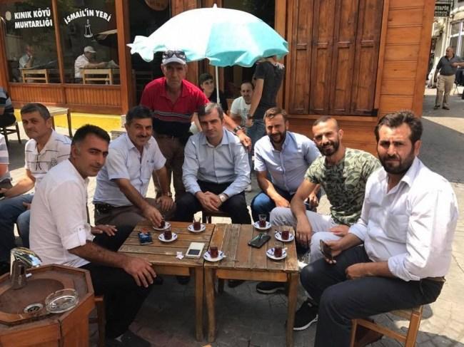 Başkan Yemenici Vatandaşlarla Çay Eşliğinde Sohbet