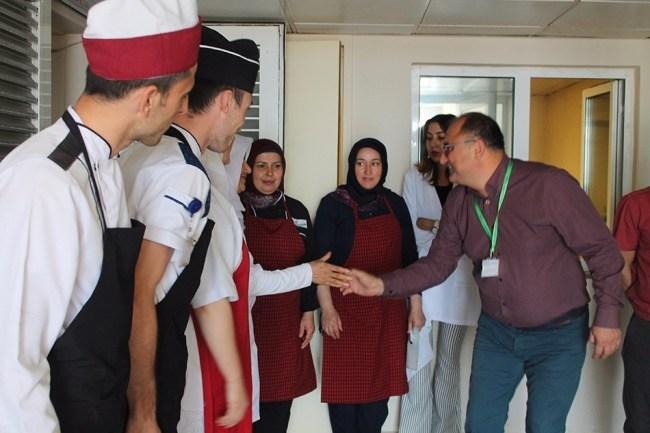 Hastanesi  Yönetimi, Personel ve Hastaların  Bayramını Kutlad