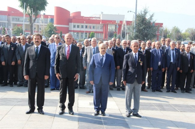 """""""Gaziler Günü"""" dolayısıyla Düzce'de de törenle kutlandı"""