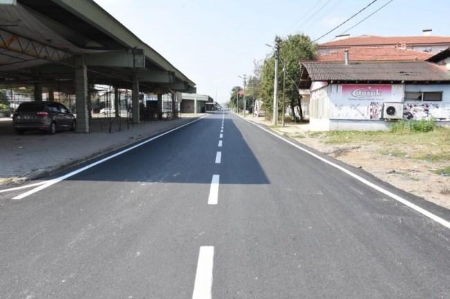Aziziye mahallesinde  yol çizgileri Çekildi