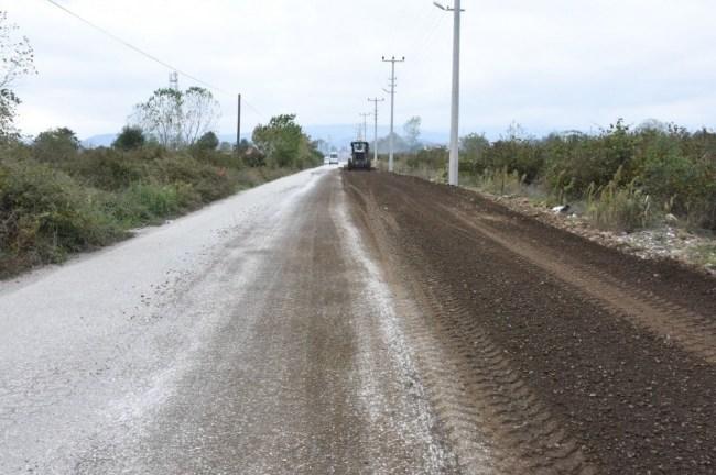 Çamköy mahallesinde yol genişletme çalışmaları sürüyor