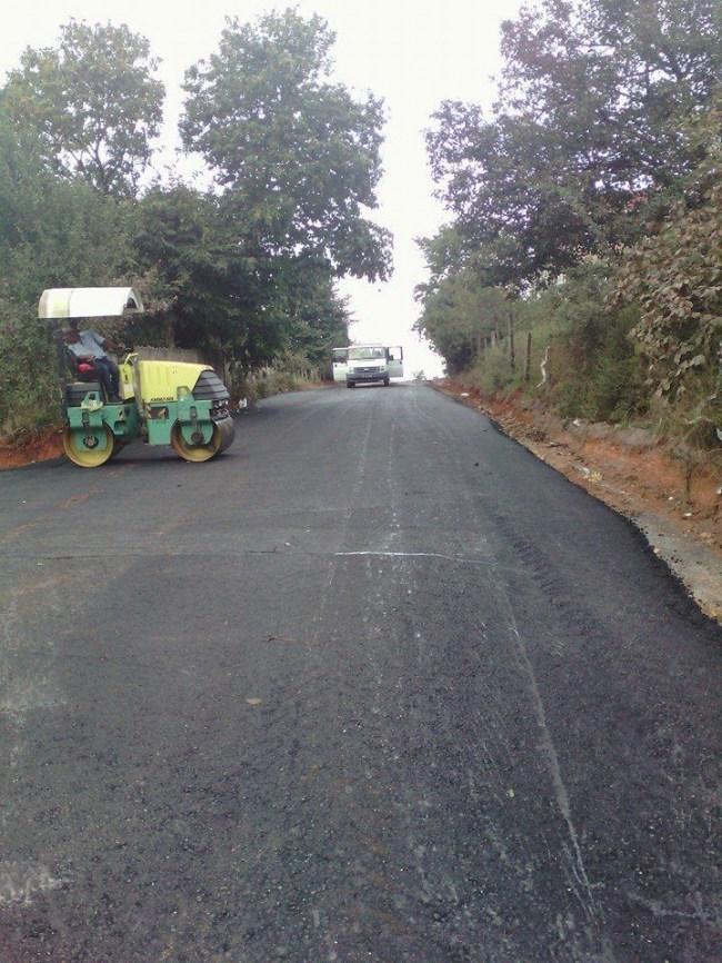 Akçakoca'da asfalt hız kesmeden çalışmalar sürüyor