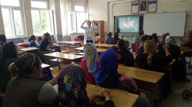 İl Sağlık Ekipleri Öğrenci ve velilere sağlık eğitimi Verdi