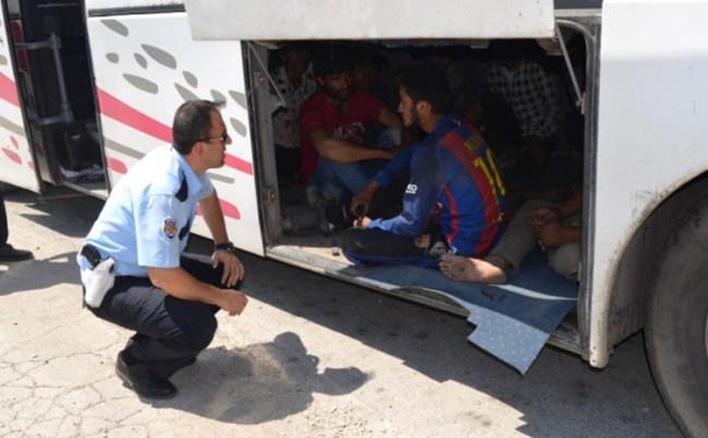 Yolcu Otobüsünde 7 Kaçak Göçmen Yakalandı