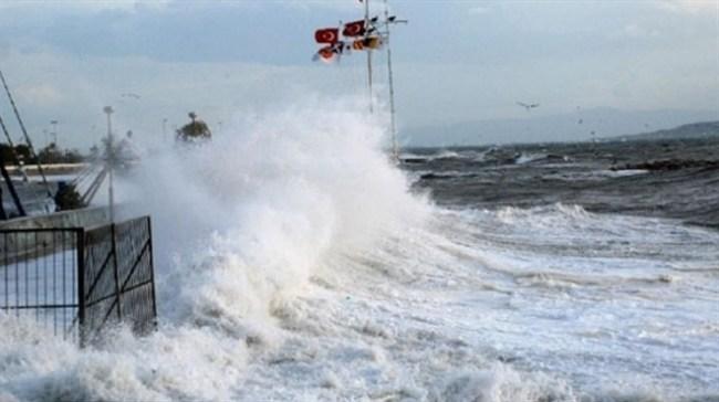 Denize açılan balıkçılara, fırtına engeli