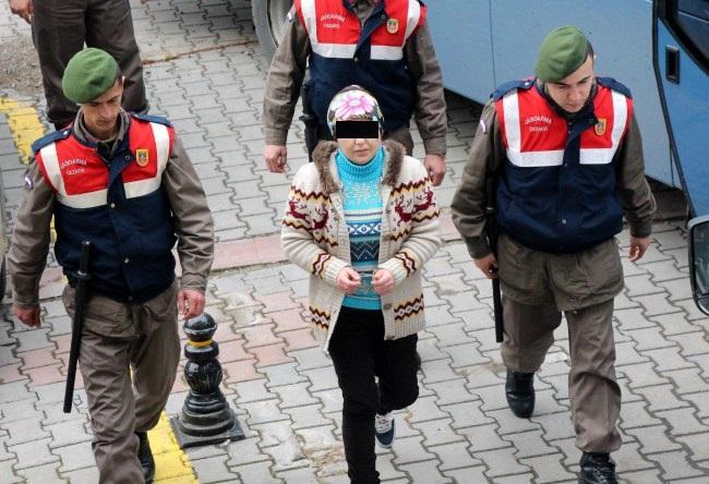 Tacizcisini öldüren kadına 'Ceza İndirimi