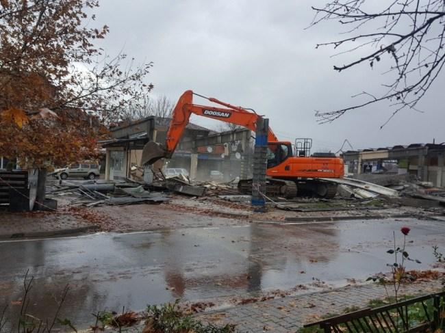 Aziziye Mahallesi Pazaryerinde yıkım başladı