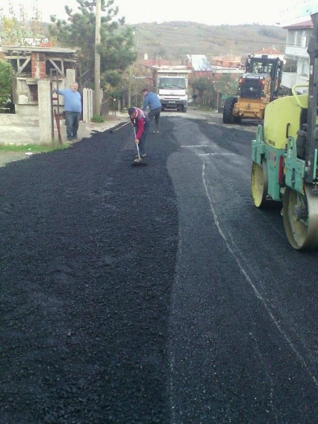 Akçakoca'da Belediyesinden asfalt çalışmaları