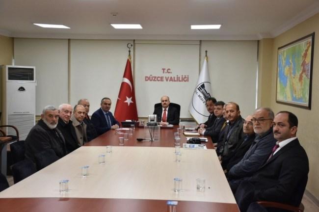 Vali Dağlı ve Başkan Ay Cami dernekleri ile görüştü