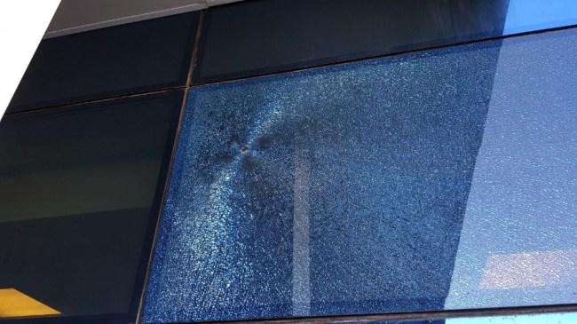 Hastane önünde silahlı kavga; 6 yaralı