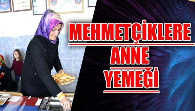 Mehmetçiklere anne yemeği