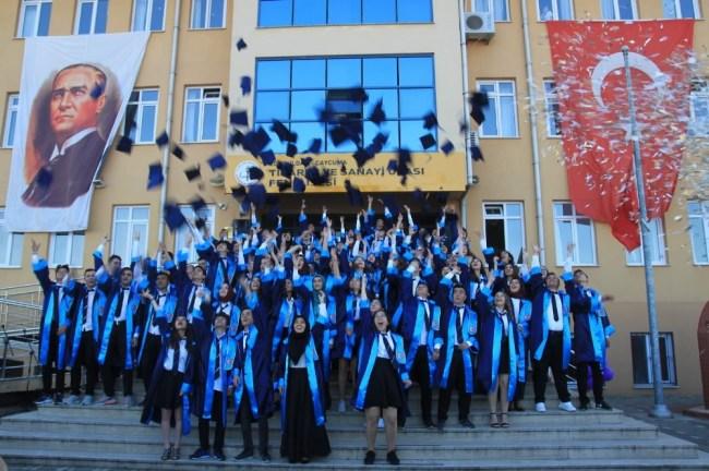 Çaycuma TSO Fen Lisesi, 2018 mezunları diplomalarını aldı