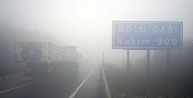 Düzce'de Yoğun sis ulaşımı aksatıyor