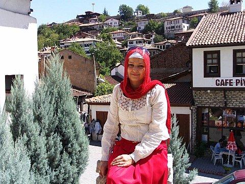 ANNE HAYATINI KAYBETTİ, BEBEK KURTULDU