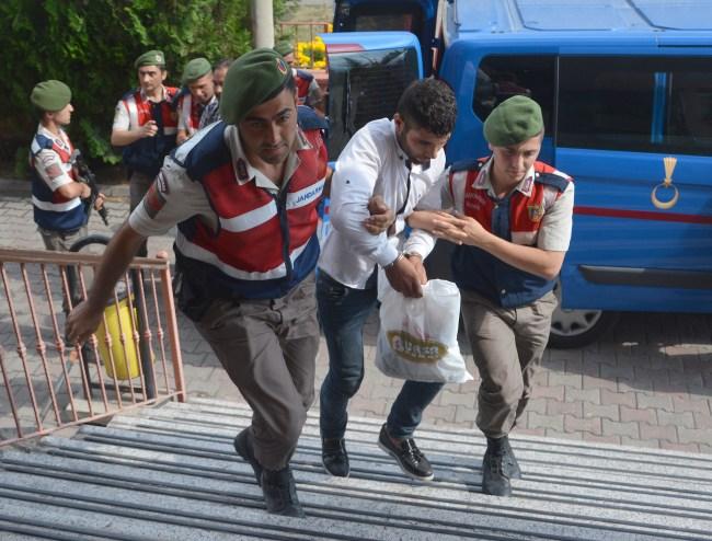 Karabük'teki silahlı kavga 3 şüphelisi, adliyede