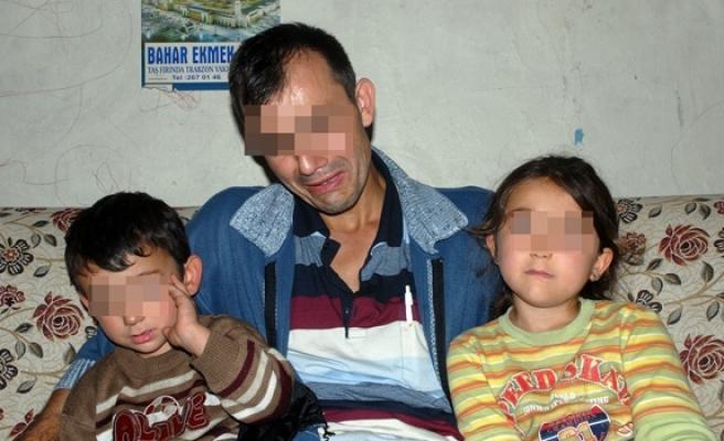 İki çocuğunu komşusuna bıraktı, internet´te tanıştığı adama kaçtı