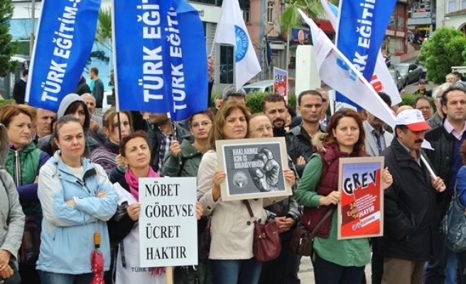 Türk Eğitim-sen'den Ereğli'de iş bırakma eylemi