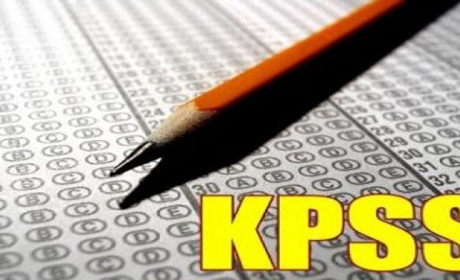 KPSS  sınavında adaylar didik didik arandı