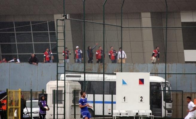 Maç öncesinde olaylar çıktı, Zonguldak Kömürspor 1 puan´ı kaptı