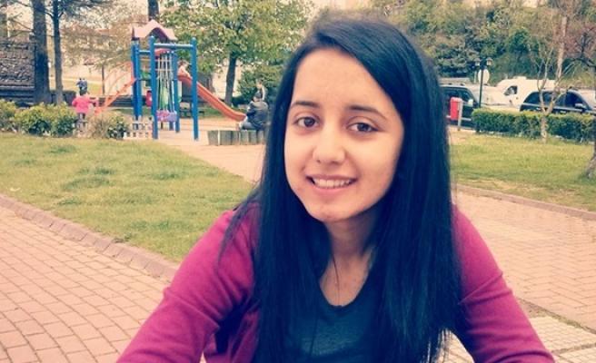 Trafik kazasında hayatını kaybeden genç kız için şiir yazdı
