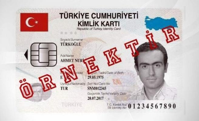 Türkiye pembe ve mavi nüfus cüzdanlarına veda ediyor