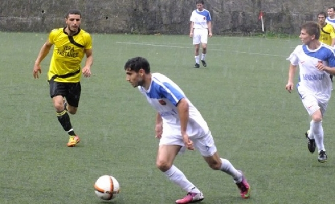 Karadenizspor ligdeki ilk galibiyetini aldı