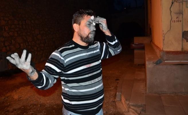 Alkollü Iraklının kafasında şişe kırdılar
