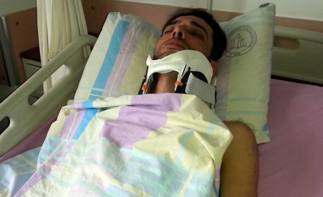 4 kişi gazeteciyi sopalarla dövdü